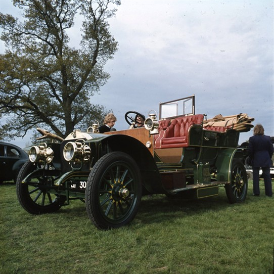 Photo:The 1906 4-seater Armstrong Whitworth at a Veteran Rally